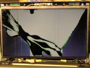 Zepsuty ekran w laptopie - objawy